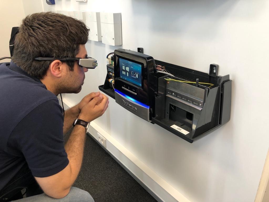 'Akıllı Gözlük' Projesiyle uzaktan, kesintisiz hizmet